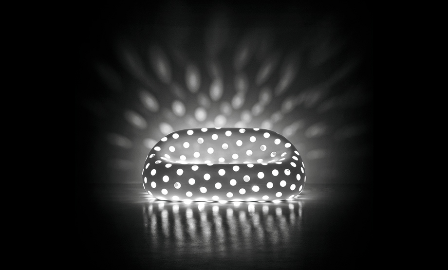 L_Airball_Sofa_LuceBianca_Light