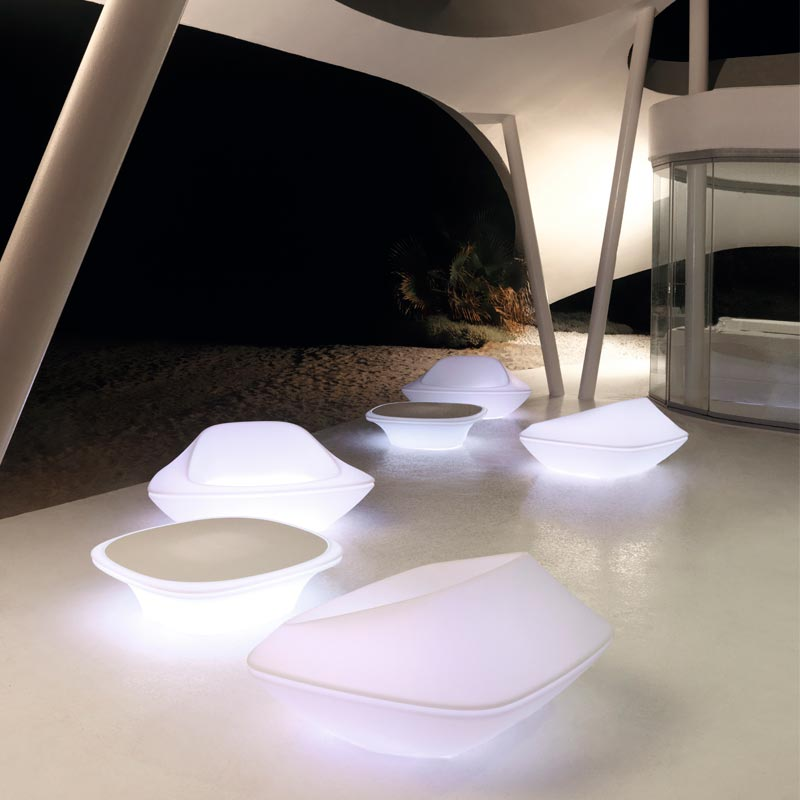 exclusive-outdoor-furniture-light-up-furnitre-loungechair-coffeetable-ufo-ora-ito%20(3)